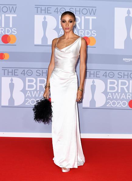 Satin Dress「The BRIT Awards 2020 - Red Carpet Arrivals」:写真・画像(15)[壁紙.com]