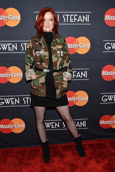 Alternative Pose「MasterCard Priceless Surprises Presents Gwen Stefani」:写真・画像(13)[壁紙.com]