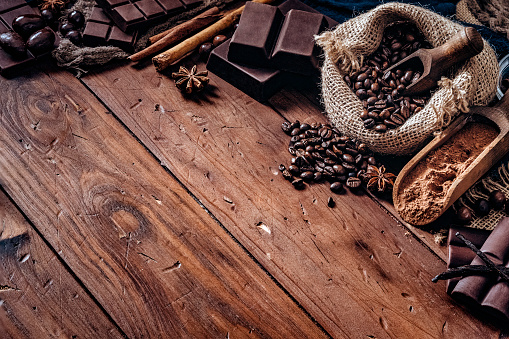 Cocoa「Assorted chocolate and roasted coffee beans in old fashioned style」:スマホ壁紙(17)