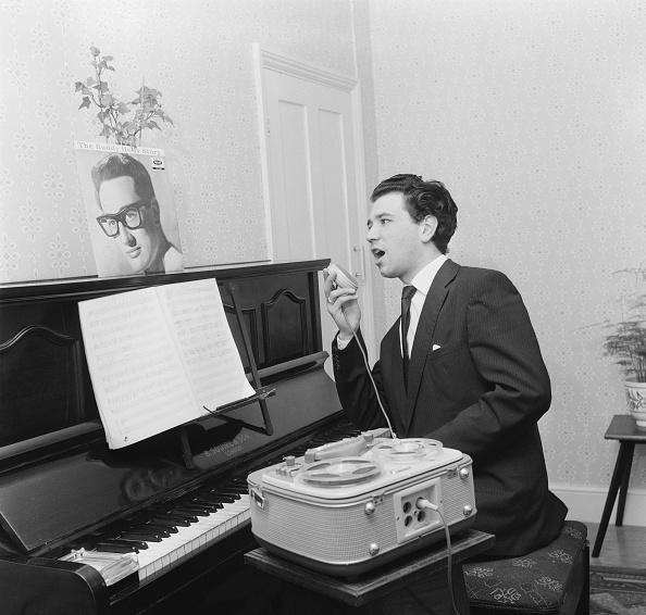 Audio Equipment「Goddard Serenades Buddy」:写真・画像(8)[壁紙.com]