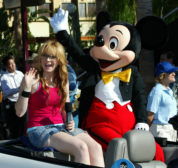 Mickey Mouse「Lindsay Lohan and Mickey Mouse」:写真・画像(12)[壁紙.com]