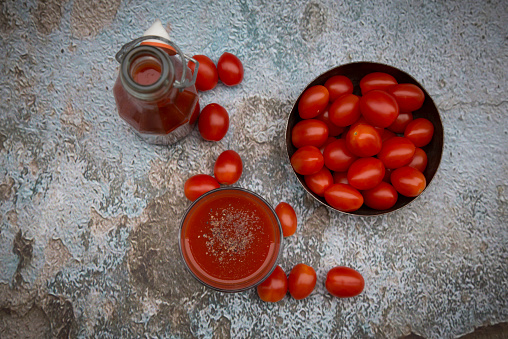 Vegetable Juice「Glass and bottle of tomato juice and tomatoes」:スマホ壁紙(6)
