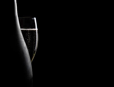 Wine Bottle「Glass and bottle of champagne」:スマホ壁紙(2)