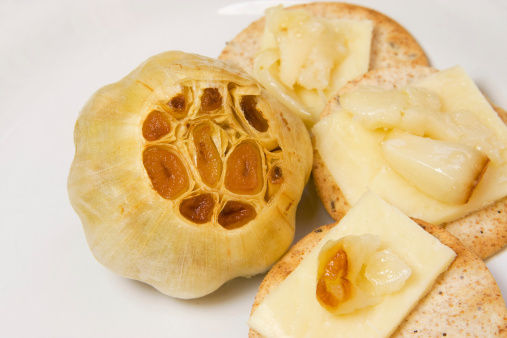 Garlic Clove「Roasted Garlic with crackers and cheese」:スマホ壁紙(11)