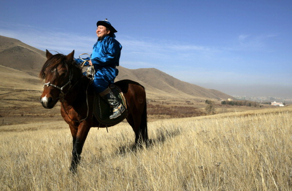 Rolling Landscape「An Intimate Portrait Of President Of Mongolia And His Family」:写真・画像(1)[壁紙.com]