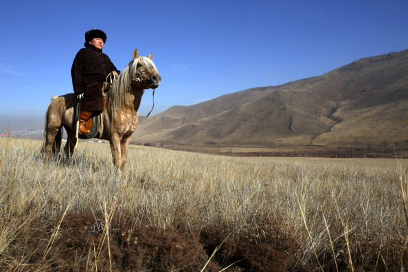 Rolling Landscape「An Intimate Portrait Of President Of Mongolia And His Family」:写真・画像(3)[壁紙.com]