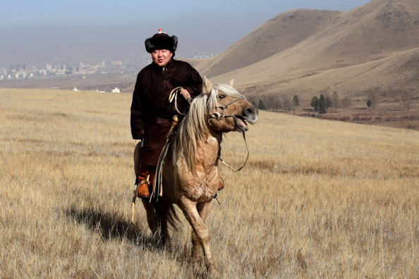 Rolling Landscape「An Intimate Portrait Of President Of Mongolia And His Family」:写真・画像(8)[壁紙.com]