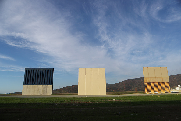 Baja California Peninsula「Border Wall On US Mexico Border Continues To Be Sticking Point Driving Government Shutdown Into Its Third Week」:写真・画像(11)[壁紙.com]