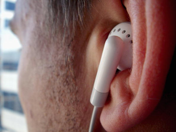 Headphones「iPods Linked To Hearing Problems」:写真・画像(11)[壁紙.com]