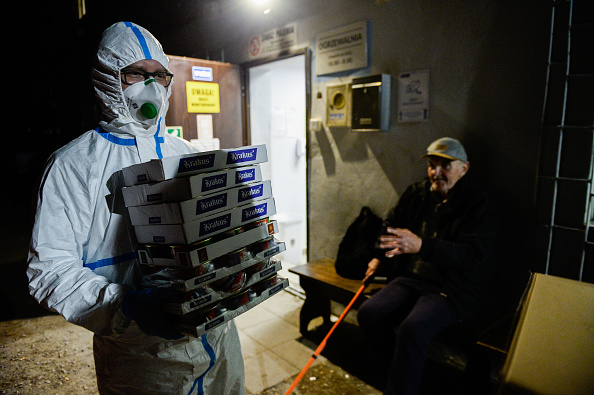 Protection「Charity Distributes Food To Krakow Homeless During Coronavirus Pandemic」:写真・画像(0)[壁紙.com]