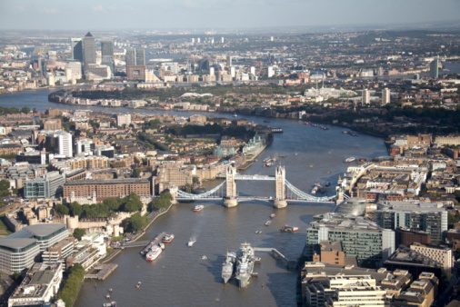 London Bridge - England「Aerial of Tower Bridge,Thames, Canary Wharf London」:スマホ壁紙(2)