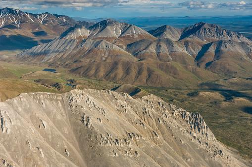 Arctic National Wildlife Refuge「Aerial of the Brooks Range mountains」:スマホ壁紙(6)