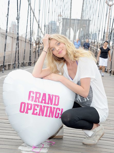 Clothing Store「Model Elsa Hosk Helps Open First Victoria's Secret PINK Store In Brooklyn」:写真・画像(12)[壁紙.com]