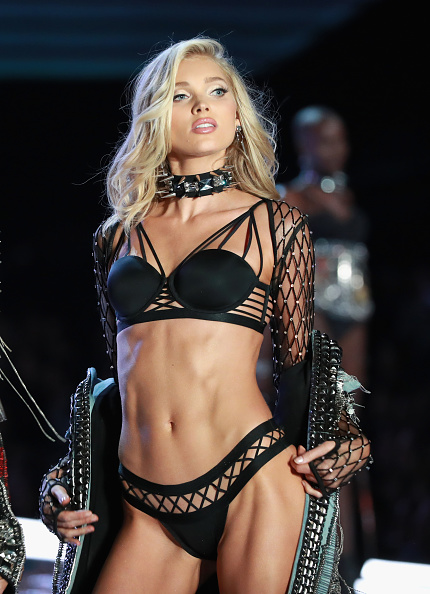 Studded「Swarovski Sparkles In the 2017 Victoria's Secret Fashion Show」:写真・画像(15)[壁紙.com]