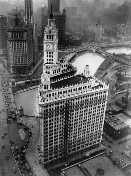 skyscraper「The Wrighley-Building in Chicago. Photograph. Around 1935.」:写真・画像(15)[壁紙.com]