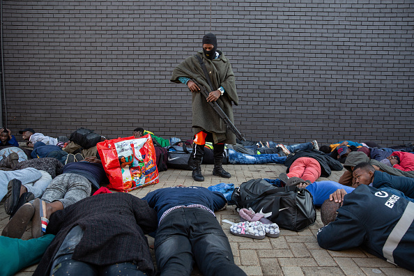 South Africa「Violence And Looting Continue In Gauteng」:写真・画像(1)[壁紙.com]