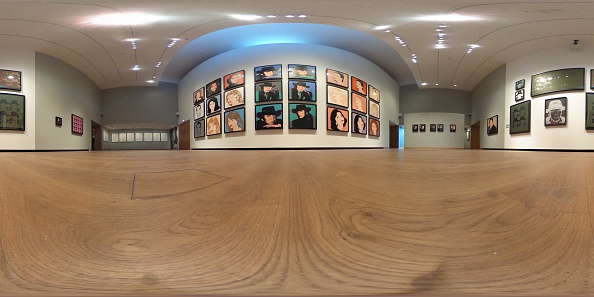 Panoramic「Preview Of 140 Unseen Andy Warhol Paintings On Show At The Ashmolean Museum」:写真・画像(18)[壁紙.com]