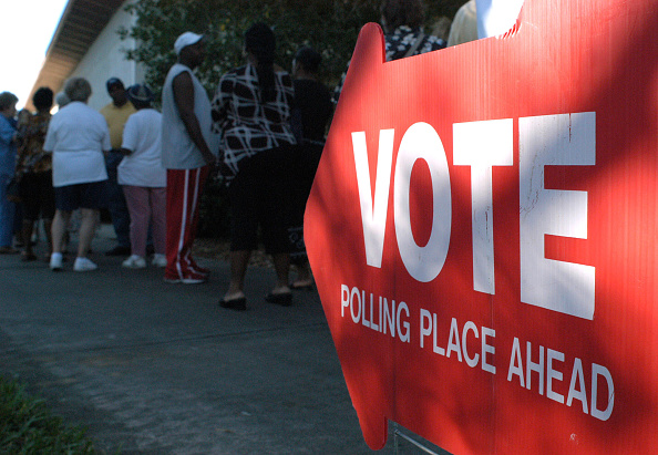 In A Row「Florida Voters Go To The Polls」:写真・画像(4)[壁紙.com]