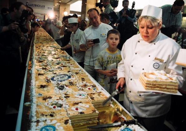 Serving Size「Record Size Cake」:写真・画像(10)[壁紙.com]