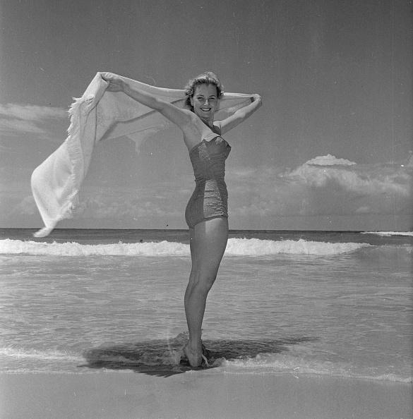 水着「Beach Style」:写真・画像(15)[壁紙.com]