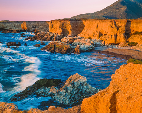 California State Route 1「Montana De Oro State Park shoreline,breaking surf, CA(P)」:スマホ壁紙(9)