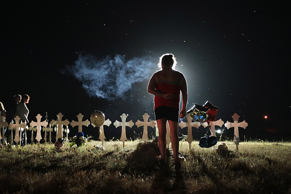 Texas「26 People Killed And 20 Injured After Mass Shooting At Texas Church」:写真・画像(16)[壁紙.com]