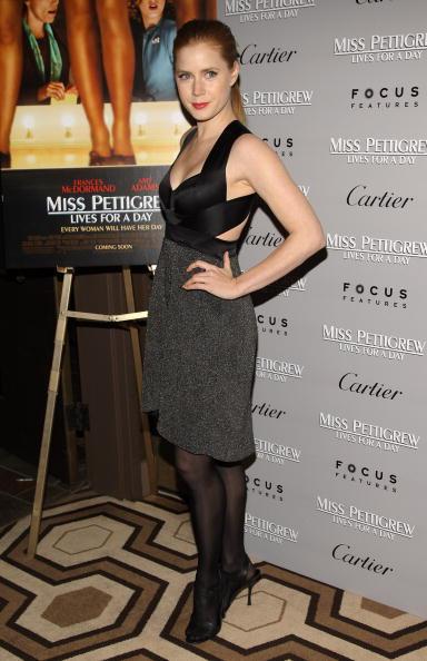 "Sandal「Premiere Of ""Miss Pettigrew Lives For A Day"" - Arrivals」:写真・画像(14)[壁紙.com]"
