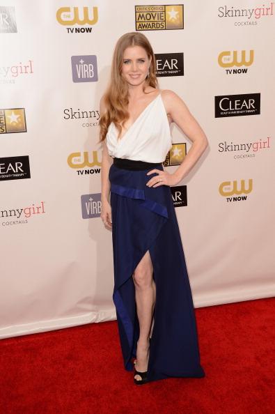 Slit - Clothing「18th Annual Critics' Choice Movie Awards - Arrivals」:写真・画像(19)[壁紙.com]