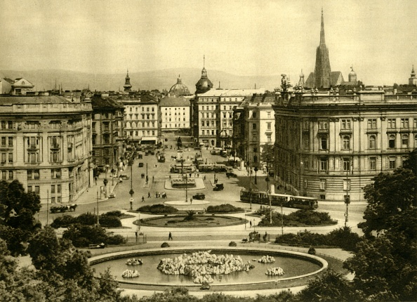 風景「Schwarzenbergplatz」:写真・画像(10)[壁紙.com]