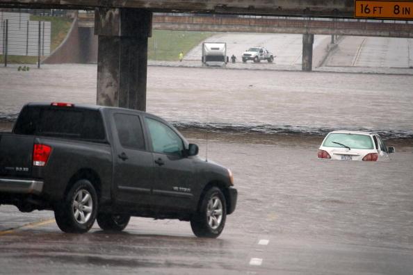 Hurricane Ike「Hurricane Ike Makes Landfall On Texas Coast」:写真・画像(5)[壁紙.com]