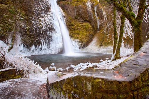 Columbia Gorge National Scenic Area「winter ice storm by latourell falls」:スマホ壁紙(1)