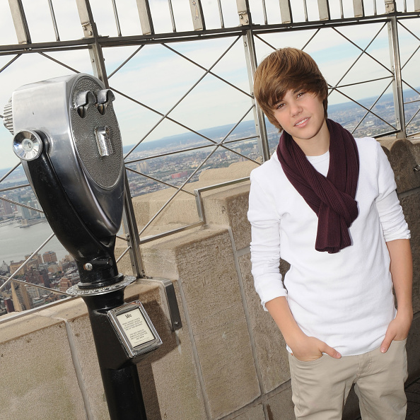 Empire State Building「Justin Bieber Lights Empire State Building For Jumpstart」:写真・画像(10)[壁紙.com]