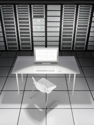 Data Center「Empty desk in network server room」:スマホ壁紙(0)