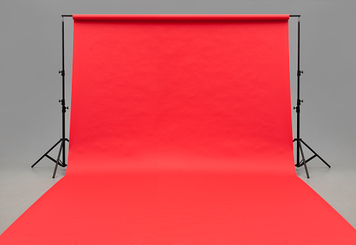 Color Image「Large red paper rolled onto the floor」:スマホ壁紙(2)