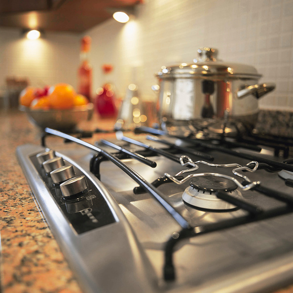 Stove「Kitchen appliances in a new house」:写真・画像(8)[壁紙.com]