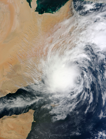 Arabian Sea「November 1, 2011 - Satellite view of Tropical Storm Keila over the Arabian Peninsula. The center of the storm hovers just off the coastlines of Yemen and Oman.」:スマホ壁紙(6)