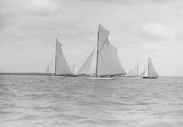 Cutting「Start For The Kings Cup Yacht Race」:写真・画像(13)[壁紙.com]