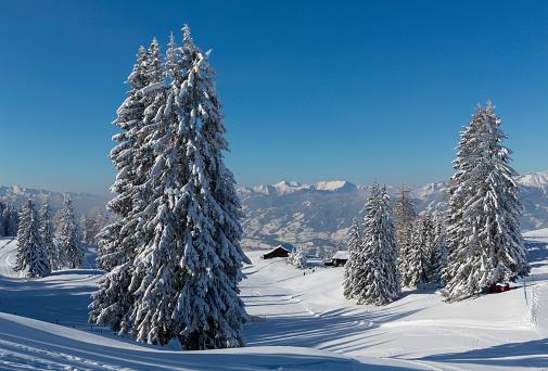 Ski Resort「Austria, St Johann im Pongau, snow-covered winter landscape」:スマホ壁紙(3)