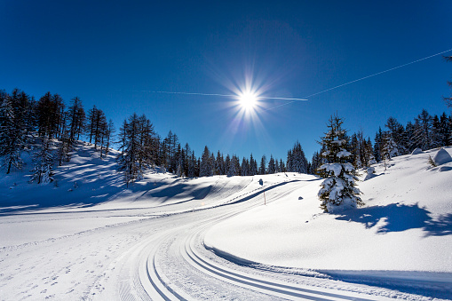 Ski Resort「Austria, St Johann im Pongau, Alpendorf, Obergassalm, snow-covered winter landscape」:スマホ壁紙(12)