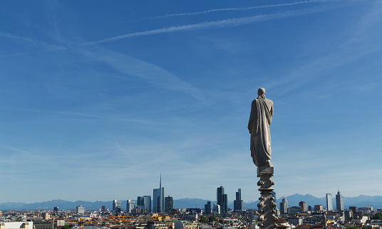Cathedral「Statue on the top of the Milan Cathedral」:スマホ壁紙(4)