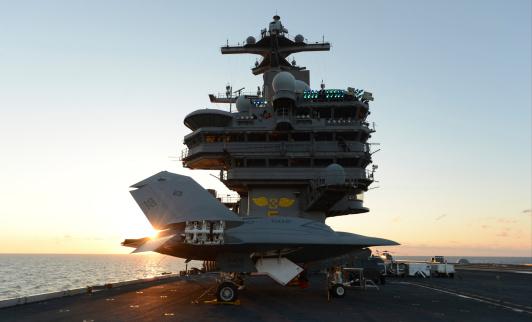 Elevator「An X-47B Unmanned Combat Air System aboard USS George H.W. Bush.」:スマホ壁紙(19)