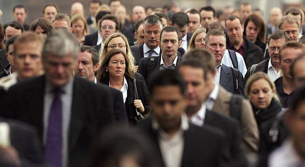 Commuters Flock To Work In The City Of London:ニュース(壁紙.com)