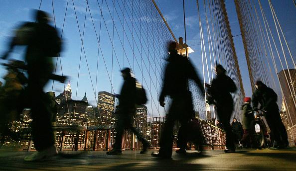 Walking「Union, MTA Reach Tentative Agreement To Resume Transit Service」:写真・画像(19)[壁紙.com]