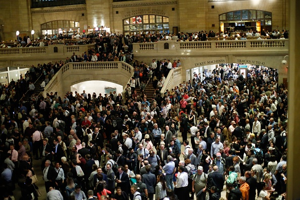 Eduardo Munoz Alvarez「Severe Thunderstorm Snarls Evening Commute At New York's Grand Central, As Many Trains Suspended」:写真・画像(5)[壁紙.com]