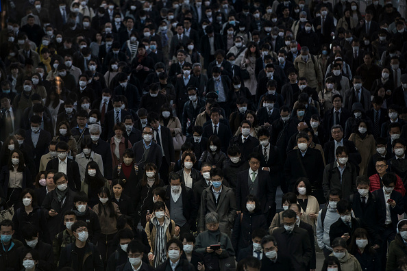 Crowd「Japan Battles Against The Coronavirus Outbreak」:写真・画像(3)[壁紙.com]