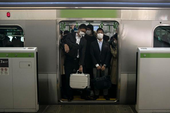 Tokyo - Japan「Japan Battles Against The Coronavirus Outbreak」:写真・画像(6)[壁紙.com]