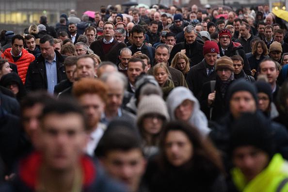 Commuter「London Commuters Face Strike Action Travel Disruption」:写真・画像(11)[壁紙.com]