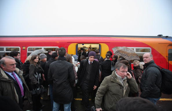 Clapham Junction「Commuter Trains Are Carrying 40 Per Cent Above Their Passeneger Capacity」:写真・画像(16)[壁紙.com]