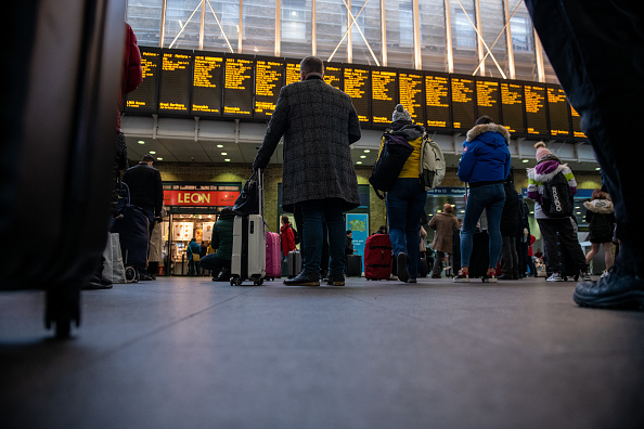 Finance and Economy「Rail Fare Increase Takes Effect」:写真・画像(2)[壁紙.com]