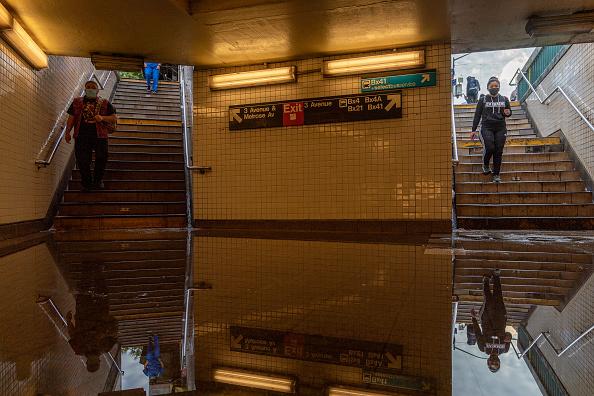 ニューヨーク市「Remnants Of Hurricane Ida Move Through Northeast Causing Widespread Flooding」:写真・画像(12)[壁紙.com]